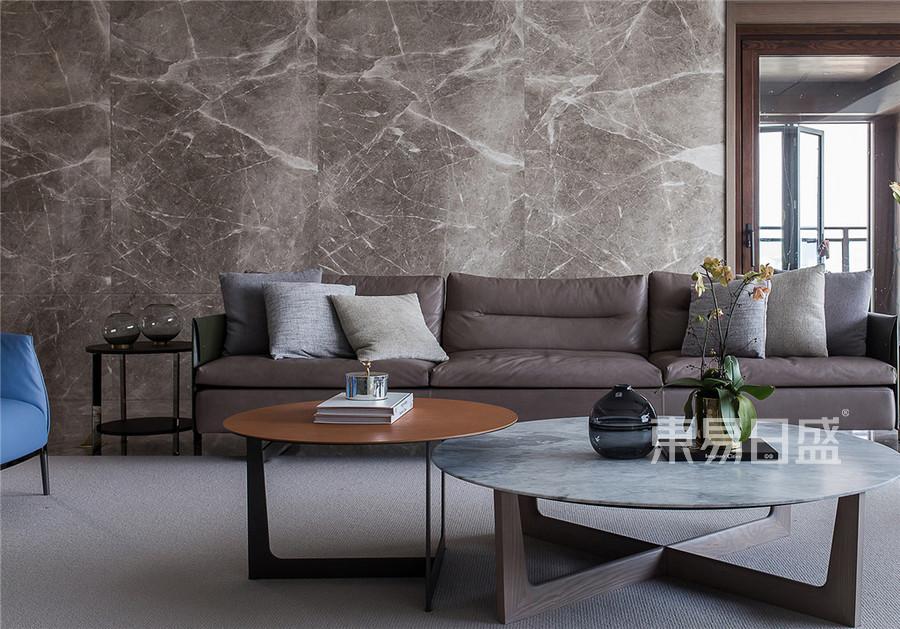 置信天璽600平現代輕奢設計裝修實景圖-客廳
