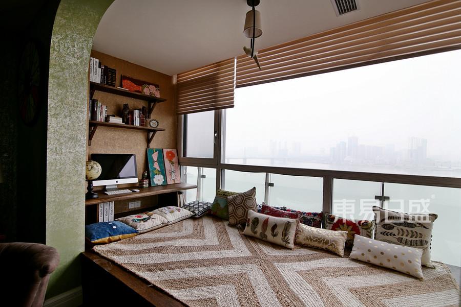 定江洋180平米美式风格阳台休闲区