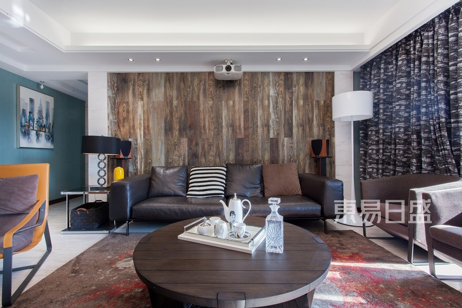益兴名流府170平现代简约客厅实景图