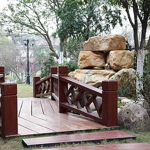 麓山公馆320平新古典园林假山及小桥