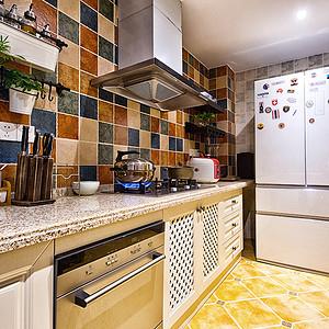 美式+厨房+趣味的色彩墙砖,让你的厨房变的有意思让