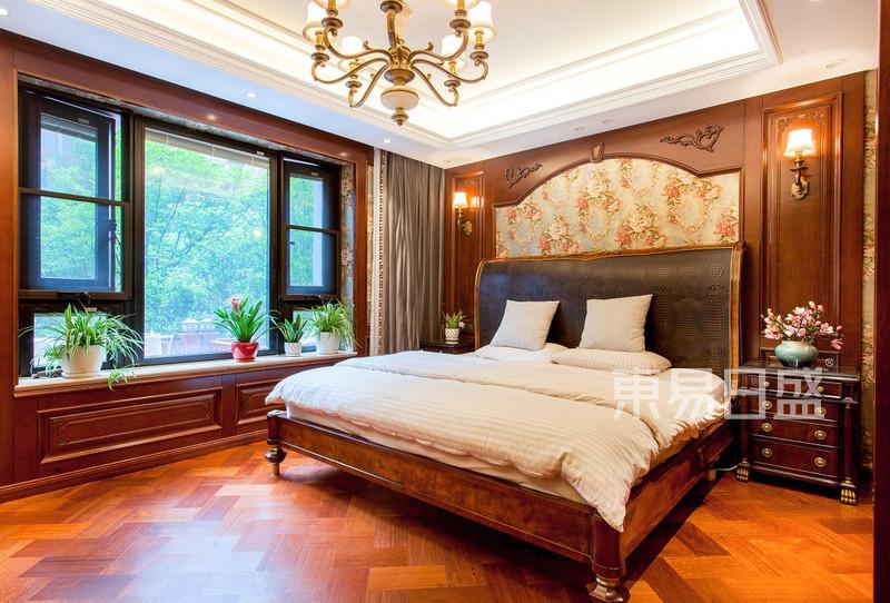 翰林府350平新古典卧室实景图