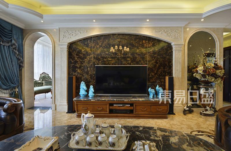 欧式古典 - 客厅欧式装修效果图 平层