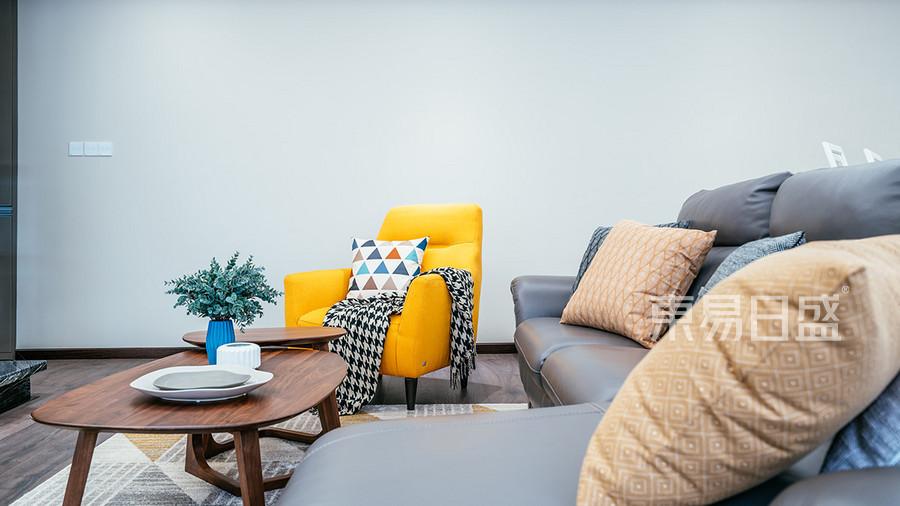 客厅沙发一角效果图_2019装修案例图片-东易日盛装饰图片