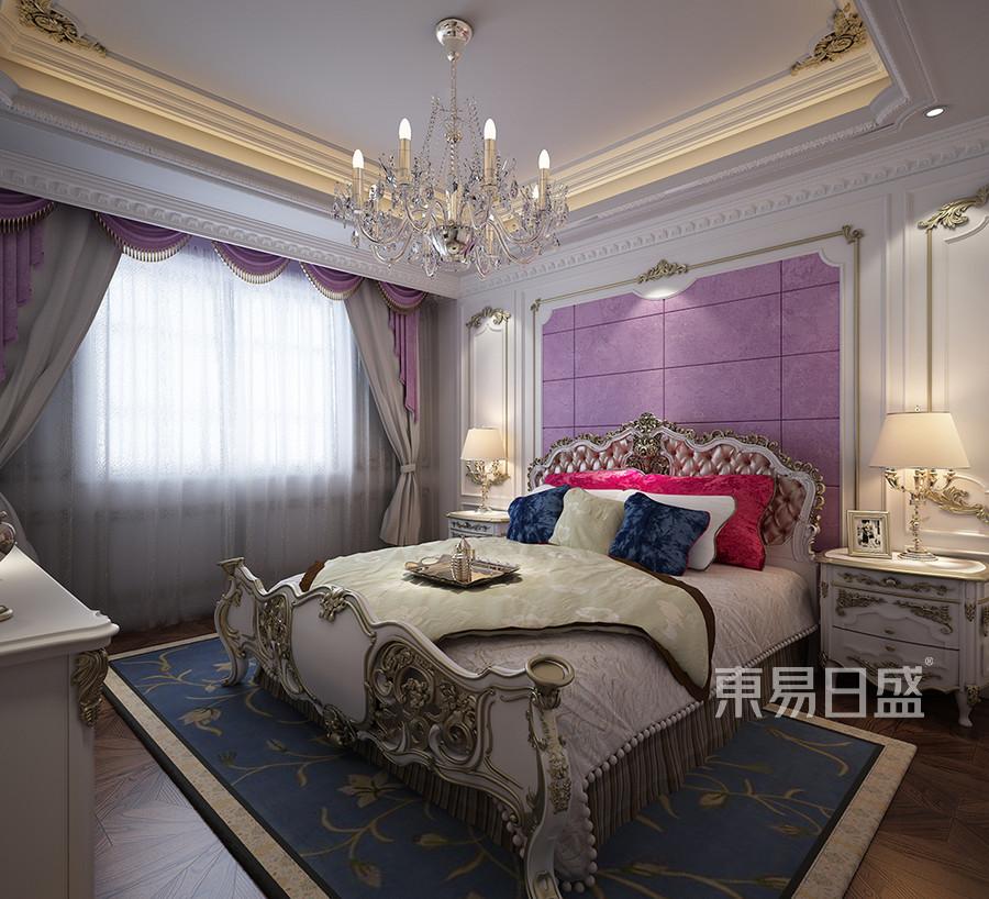 次卧墙砖与镜框的巧妙搭配