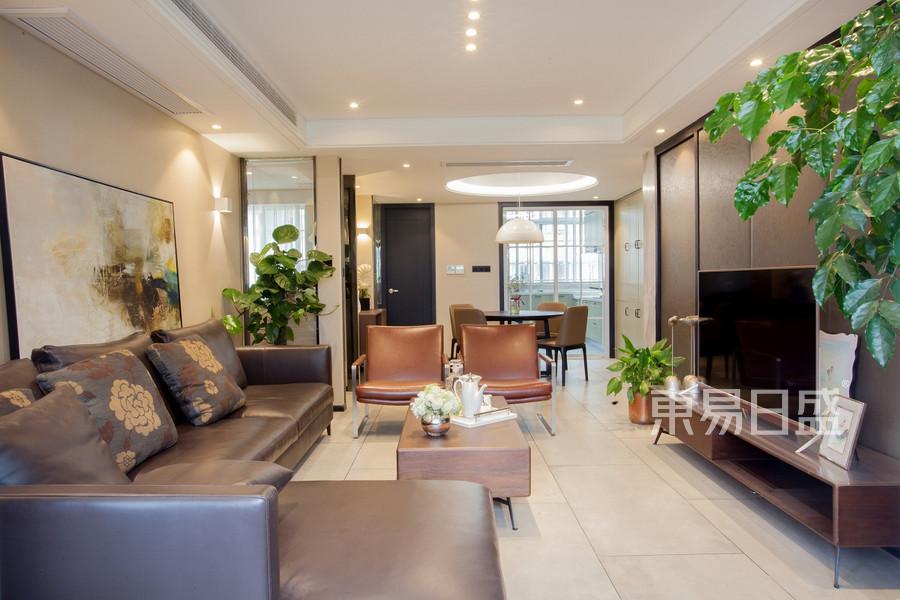天勤家园120平现代客厅实景图