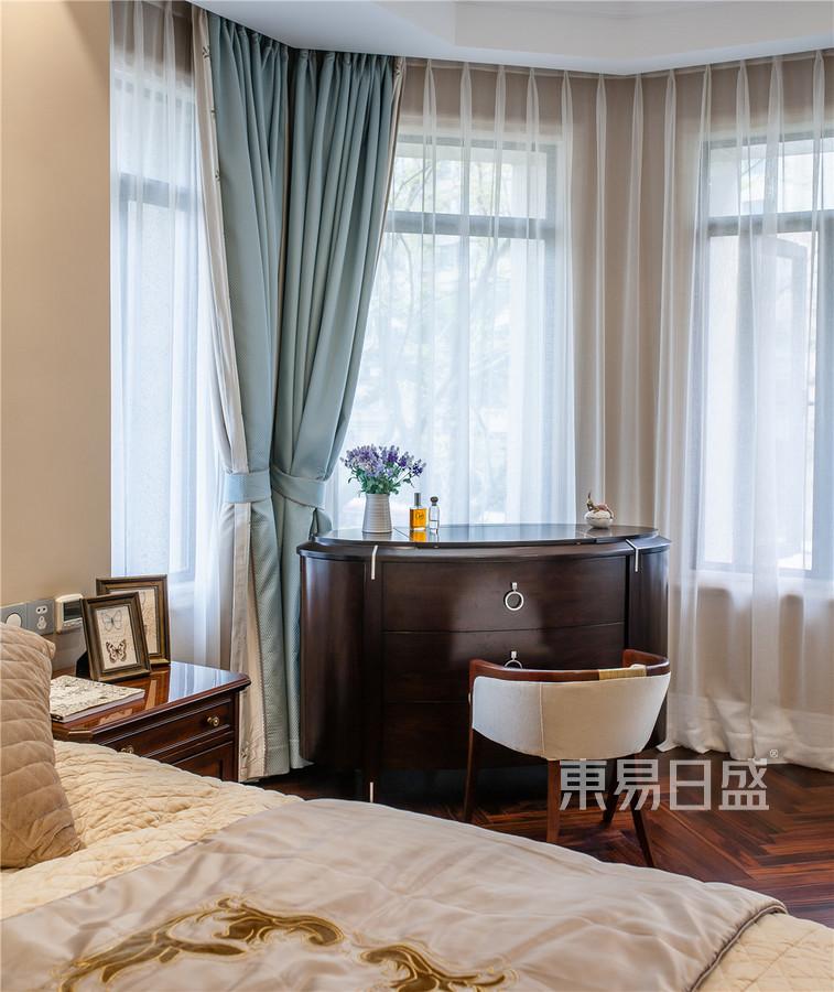 滨江首府180平美式乡村设计装修效果图-卧室