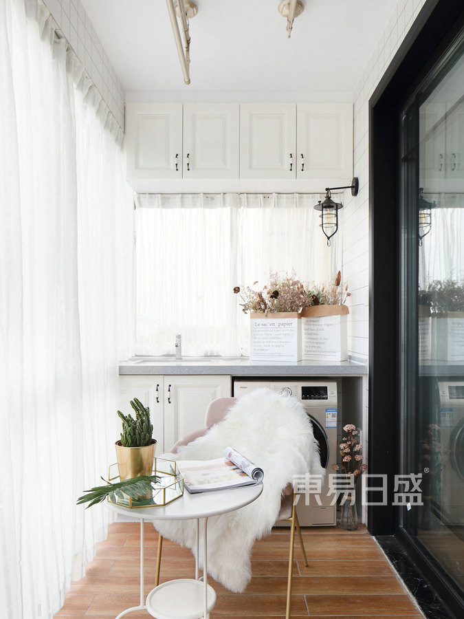 圣水明珠97㎡三居室 简美风格 阳台装修效果图