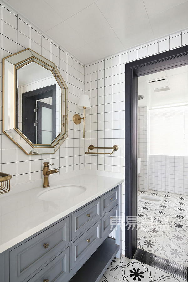 97㎡三居室 简美风格 卫生间装修效果图