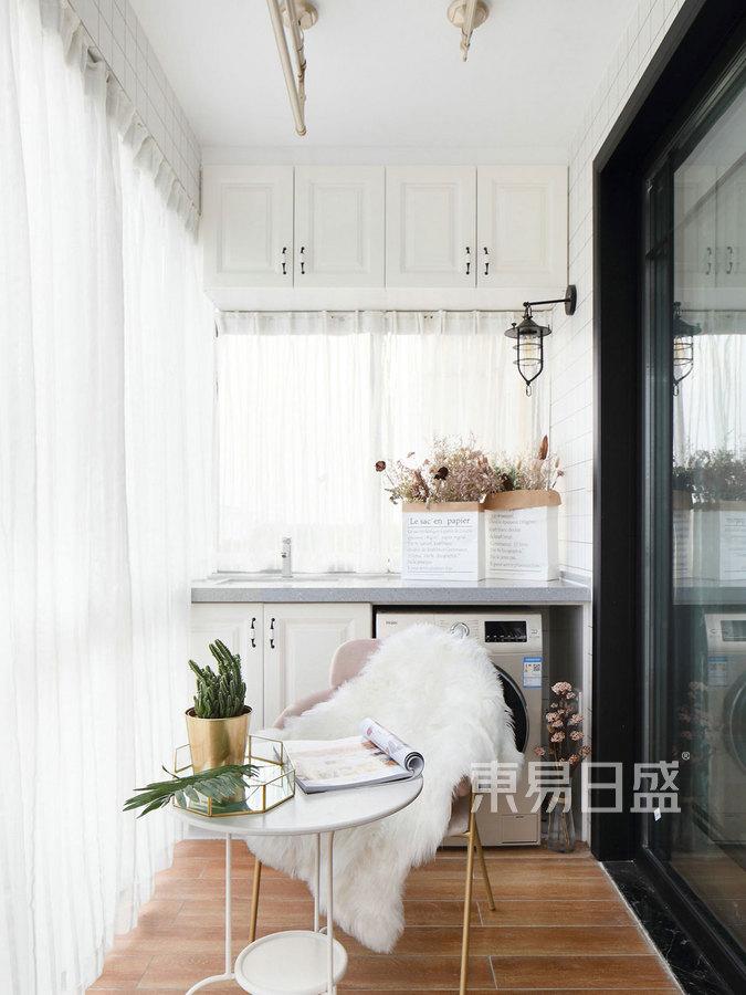 97㎡三居室 简美风格 阳台装修效果图