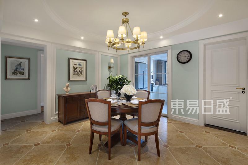 140平方简美风格客厅装修实景案例