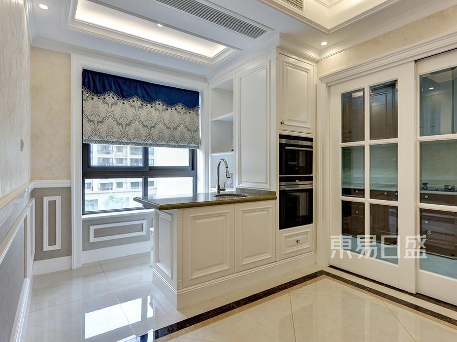 美式风格厨房装修实景图