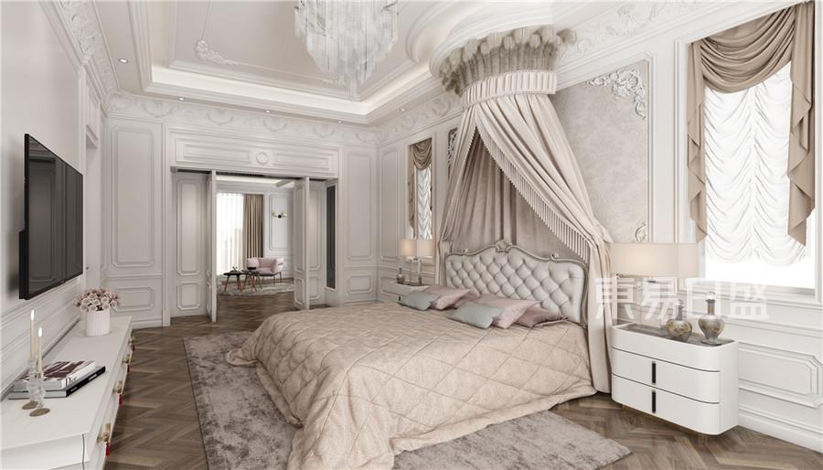 法式轻奢风主卧室装修效果图