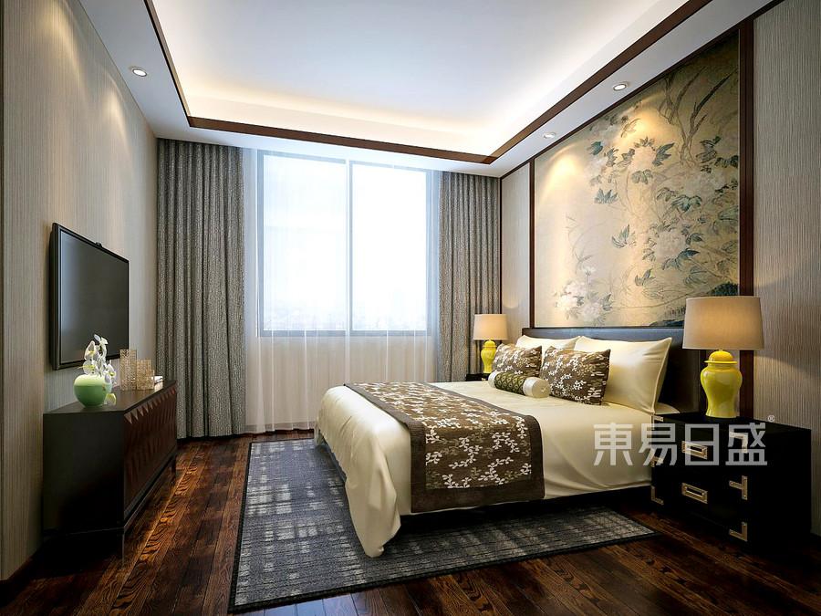 浅黄色的床单与窗帘搭配拉上纱帘后的卧室显得格外的优雅情趣