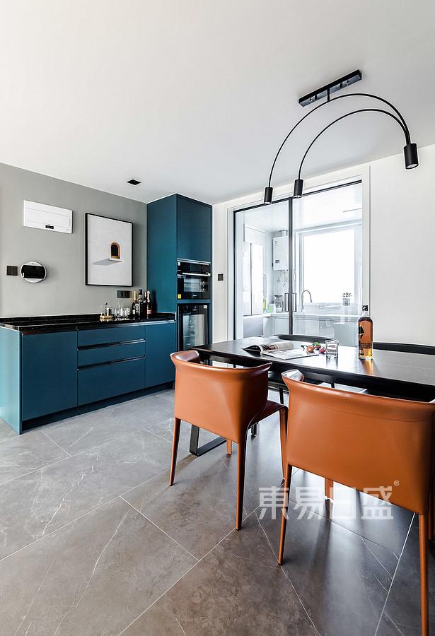 青岛装修公司-现代简约设计案例-餐厅装修实景图现代简约-实景图
