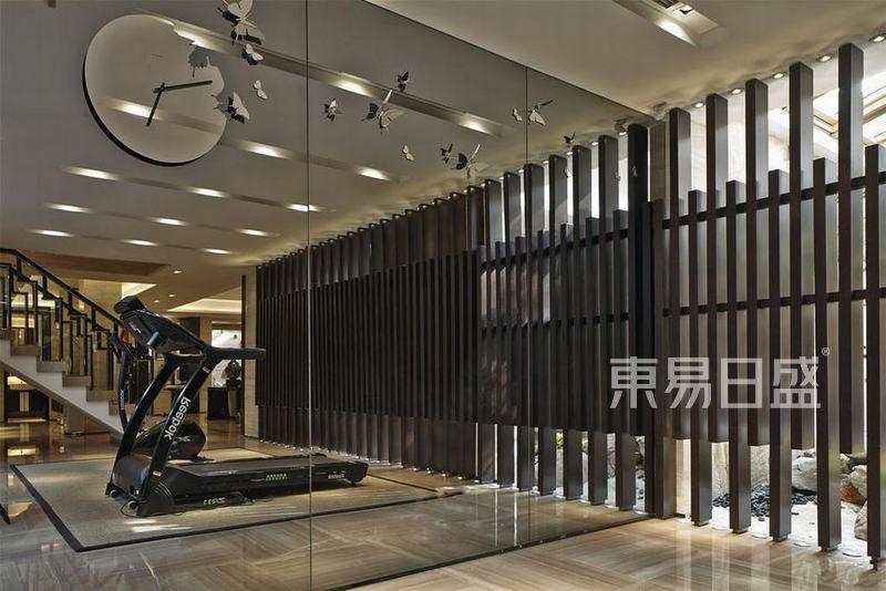 美式-健身房