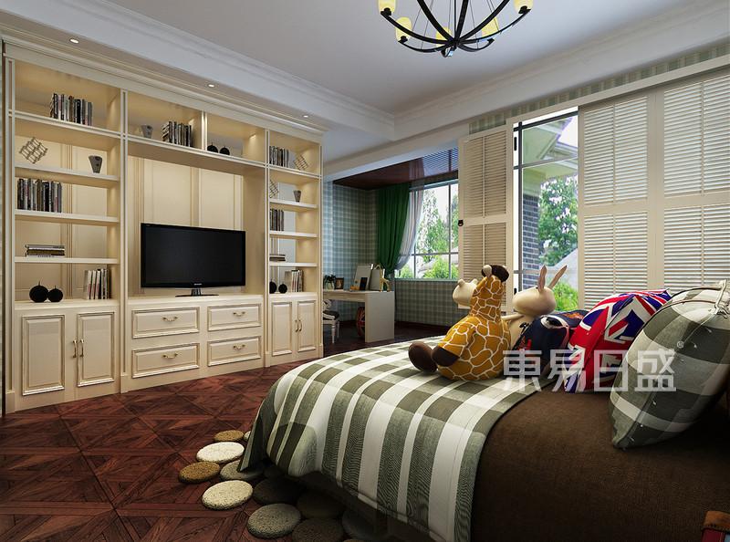 二楼卧室效果图:背景墙白色护墙板造型效果图_装修图