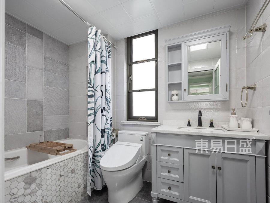 160㎡四居室装修 美式风格 卫生间装修效果图