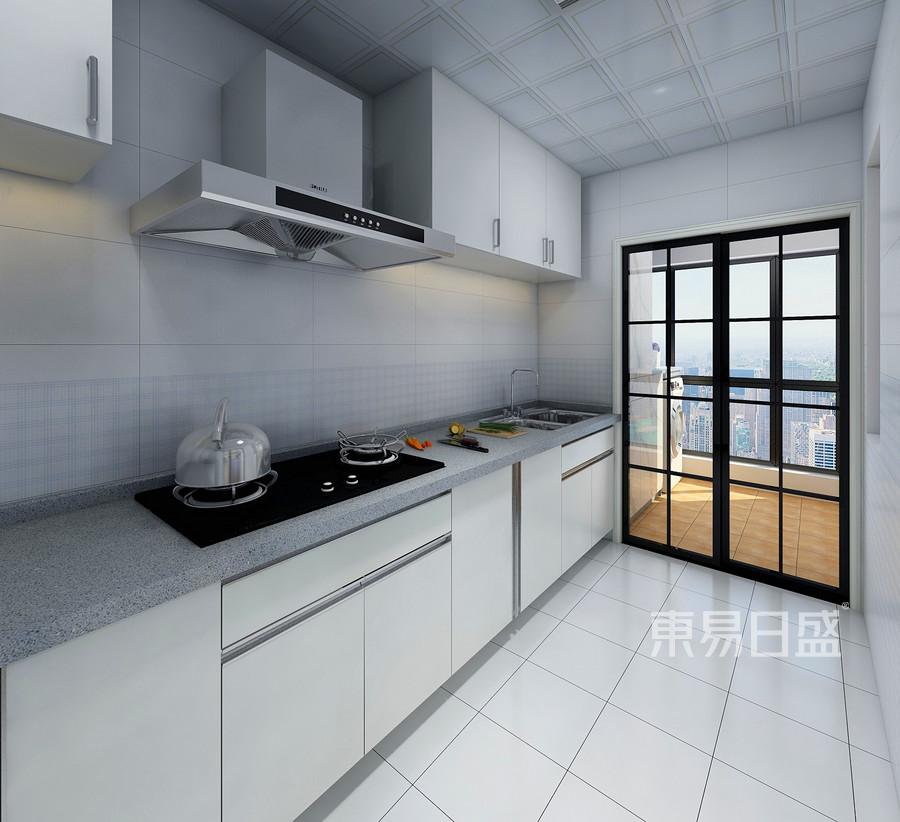 在布局对厨房位置进行调整,采用采光性最好的双推拉门形式