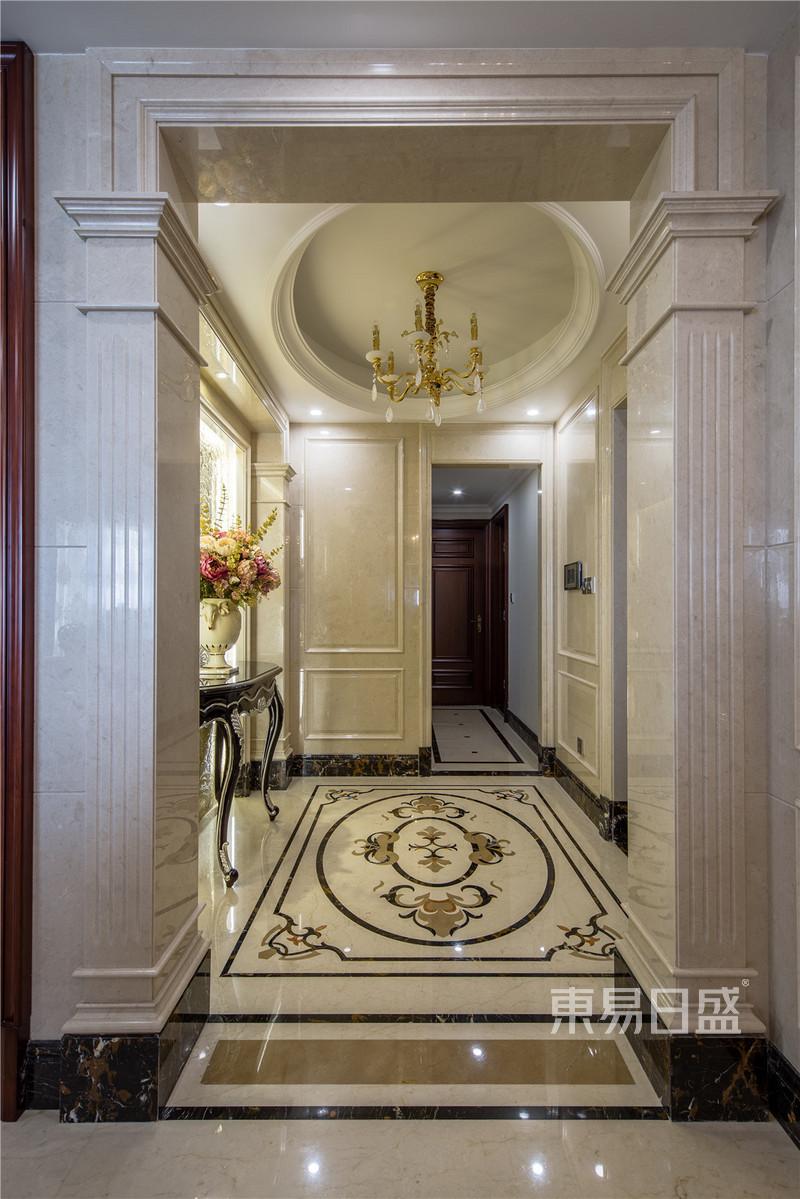 室内装修效果图 > 地面椭圆形的拼花和顶面相呼应   国宾一号——欧式