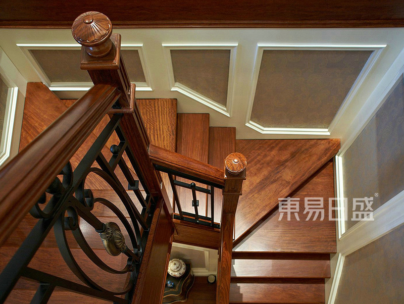 楼梯转角-简欧风格效果图_装修效果图大全2018图片