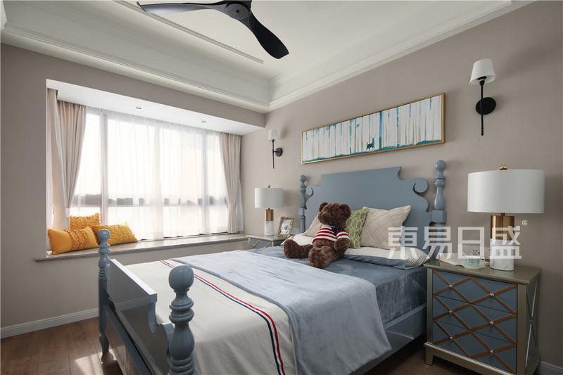 美式轻奢风格卧室装修效果图_装修效果图大全2018图片