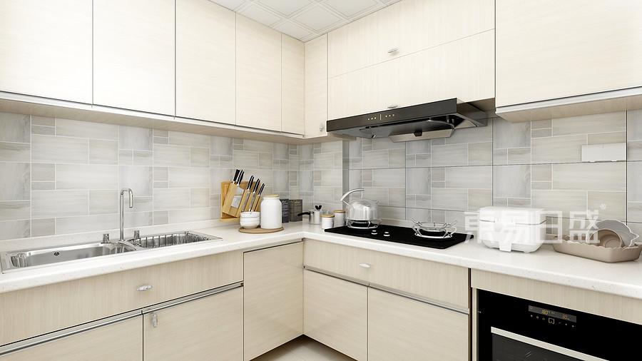 宽敞明亮的厨房