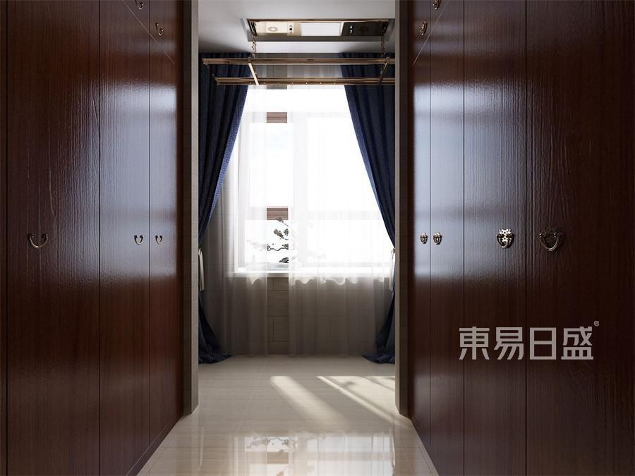 太化蓝月湾三居室古典中式衣帽间装修效果图欣赏