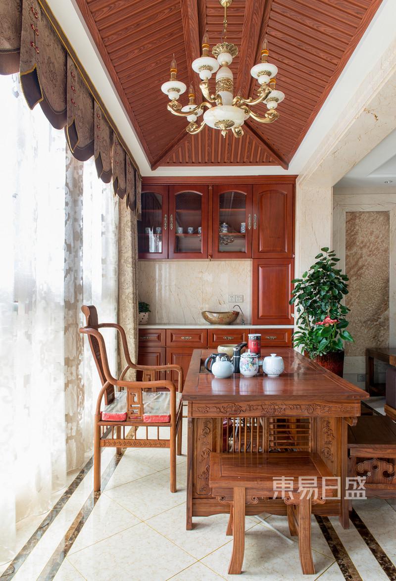 首页 室内装修效果图 > 中隆国际御玺200平米中式阳台茶室