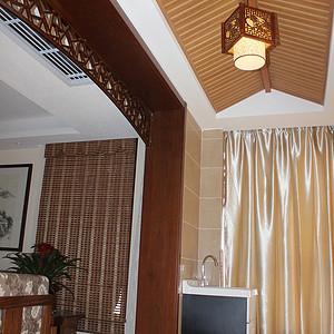 与中式灯笼式吊灯结合有种中式吊楼韵味