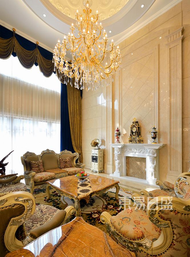欧式宫廷风格客厅装修效果图