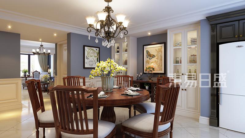 深色餐桌椅平衡了整体空间灰白色调