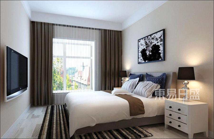 卧室以暖色为主调,并在床品配饰