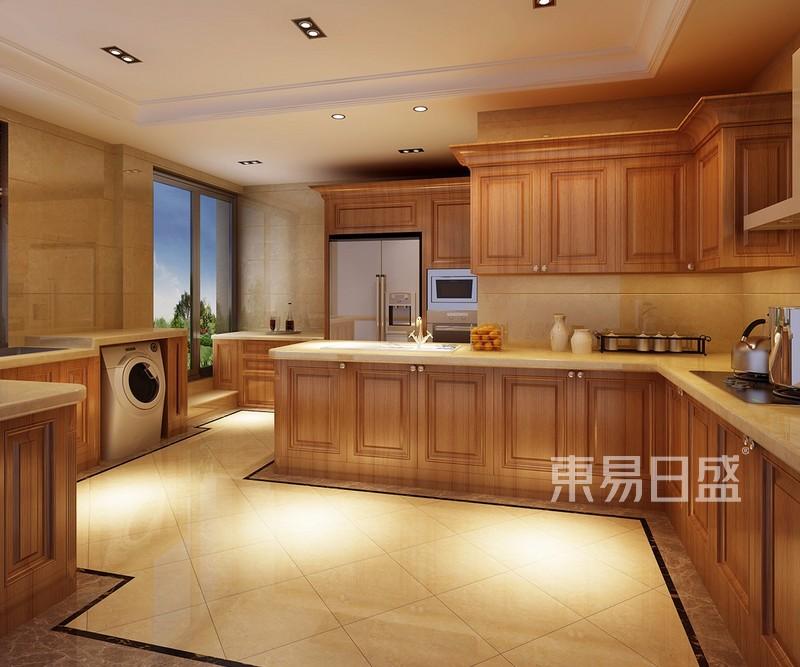 搭配墨绿色,深棕色,金色等,表现出古典欧式风格的华贵气质.