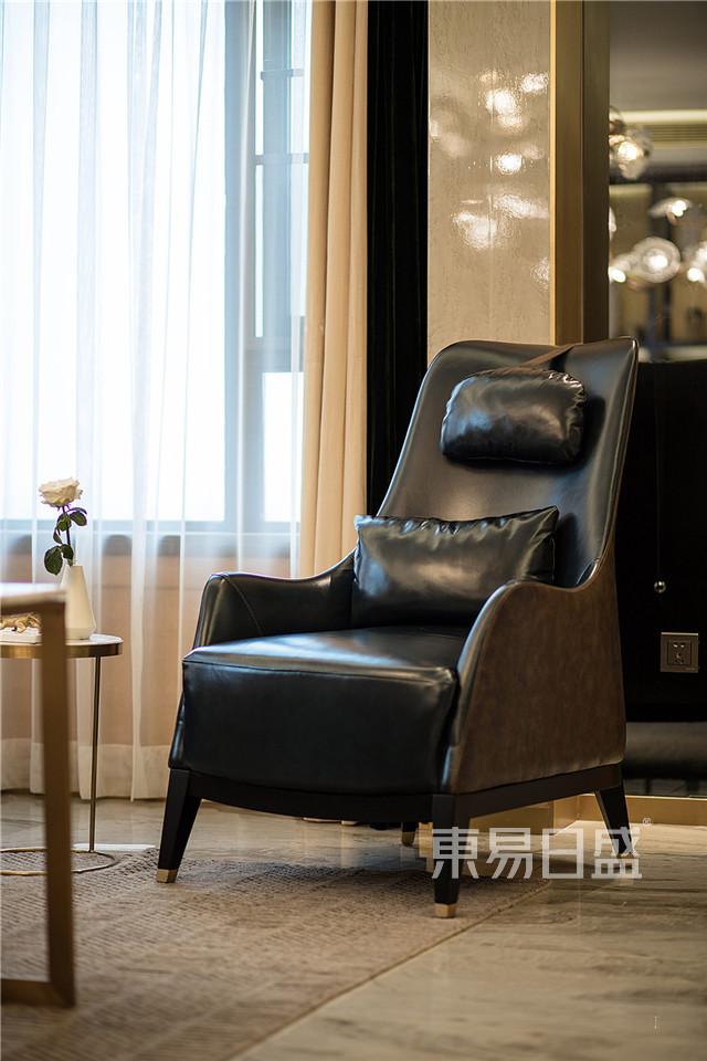 搭配黑色单人休闲椅,增加细节.jpg