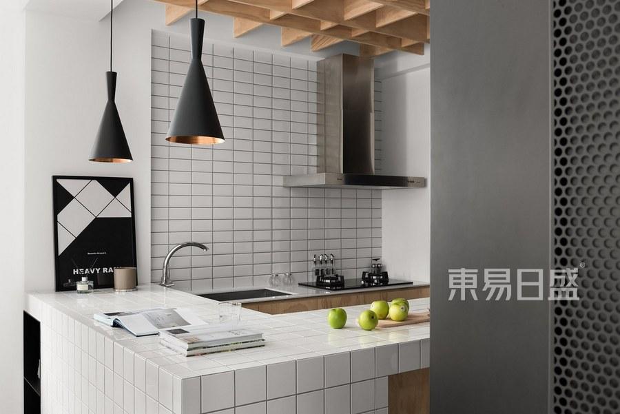 深圳装修公司东易日盛-金众云山栖装修设计-现代简约风格案例-厨房装修效果图